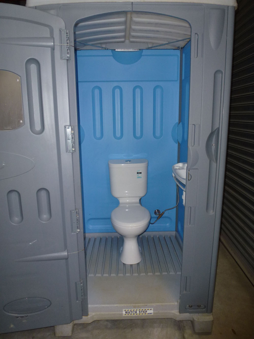 Urinal hookup